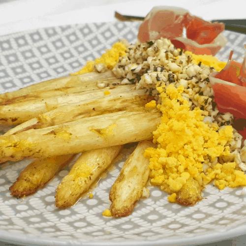 Asparagus a la flamande
