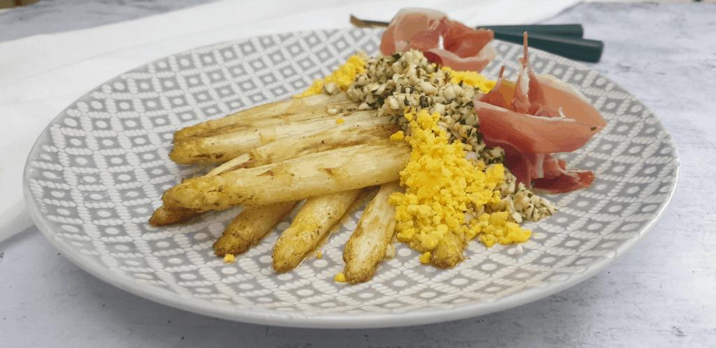 asparagus a la flamande2