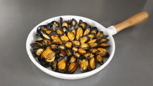 mussels on 1 shell