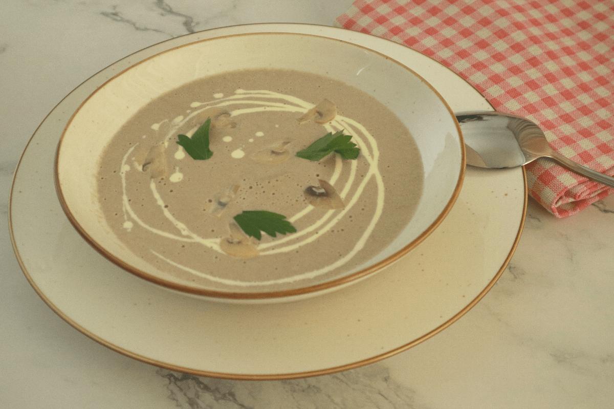 mushroom cream soup served