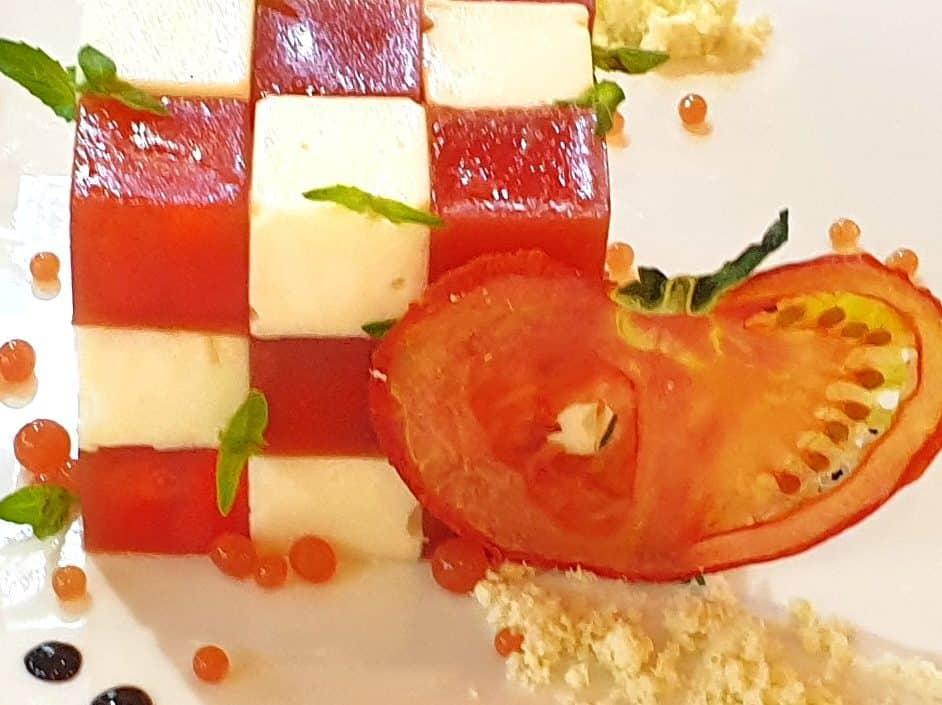 cube mato tomato mozarella