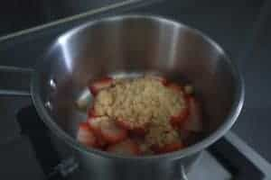 make strawberry compote