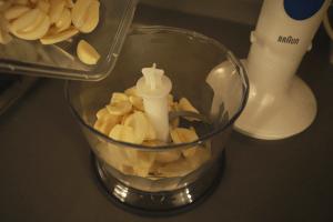 chop garlic with food processor
